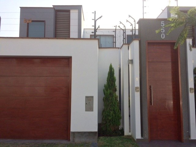 TOWNHOUSE STYLE HOME FOR SALE - LAS LAGUNAS, LA MOLINA