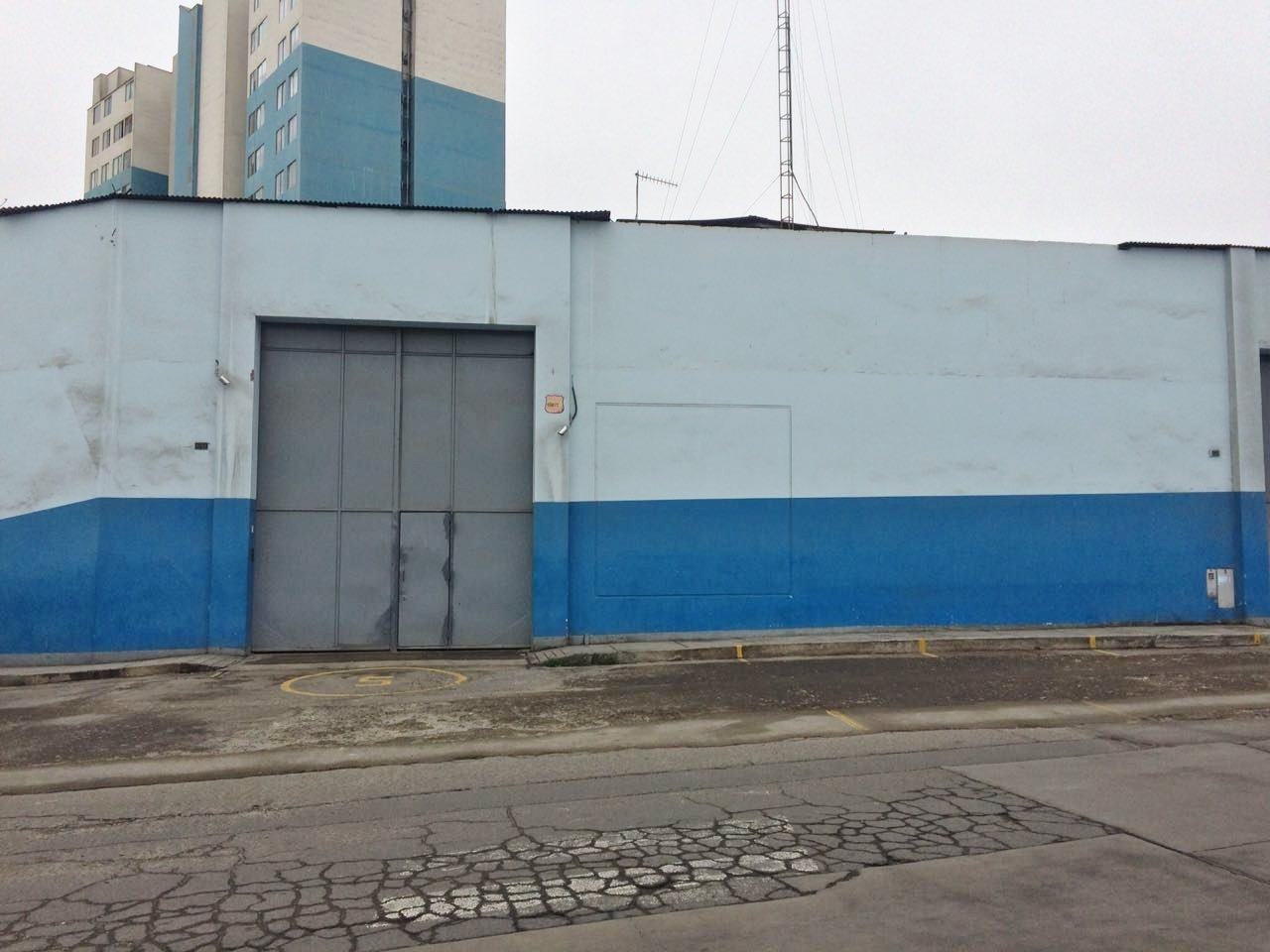 EXCELLENT COMMERCIAL LOCATION IN BREÑA 1,353 M2