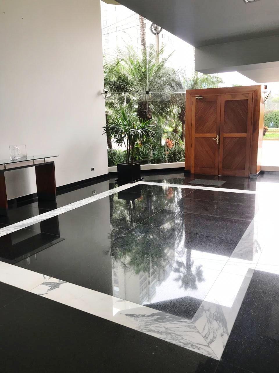 ESPLENDIDA VISTA AL GOLF DE SAN ISIDRO DESDE EL PENT HOUSE UBICADO EN ALQUILER UBICADO EN AVENIDA GENERAL PORTILLO